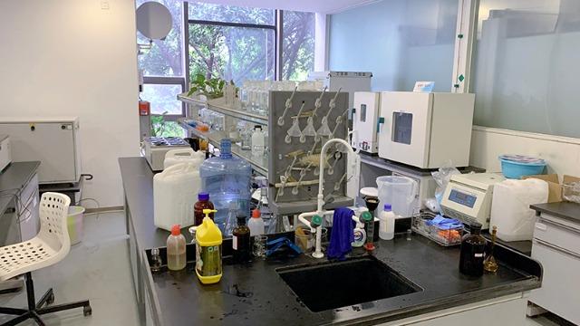 广元实验室搬迁公司:来看看如何清洗橡胶件吧|帮德运