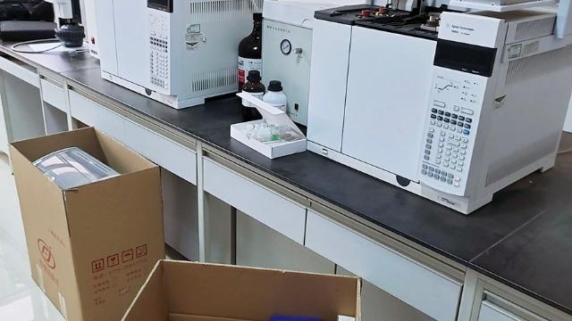 香格里拉仪器设备搬运公司提供协助