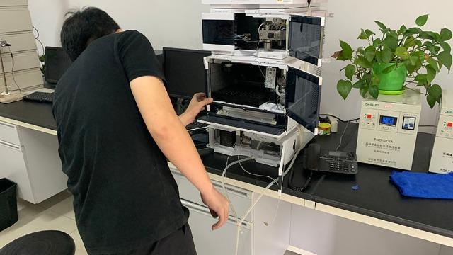 石狮市实验室仪器bob电竞客户端下载公司积极引进人才