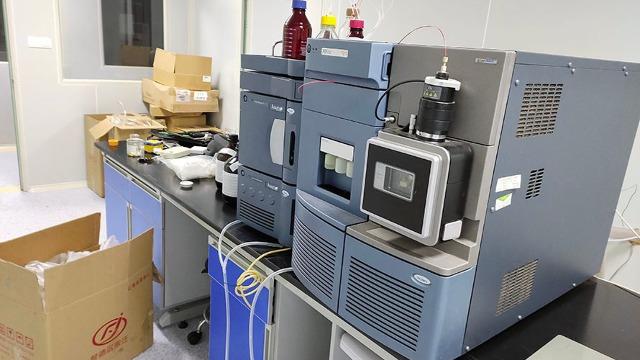 神木市实验室设备搬迁助力玻璃产业发展