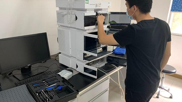 昆玉实验室设备搬运公司为教育论坛开展助力