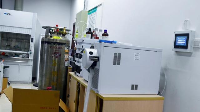 神木实验室设备搬运人员要不断的充实自己