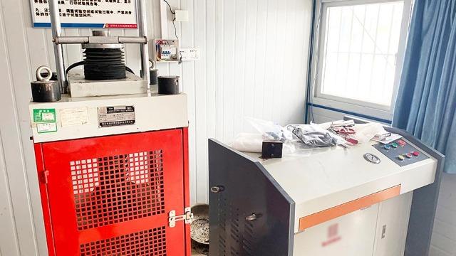 开平实验室设备搬运人员要有防控意识
